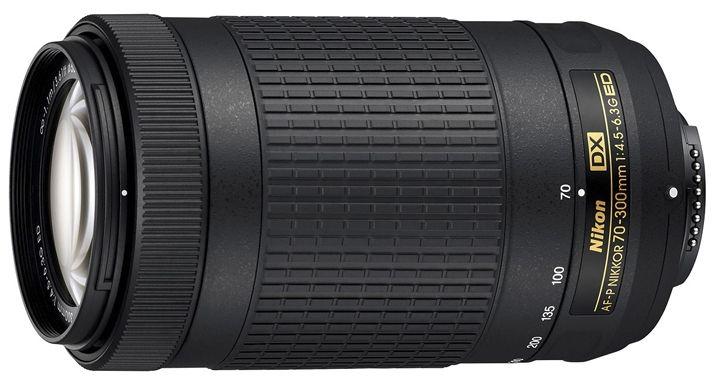 Nikon AF-P DX NIKKOR 70-300mm f/4.5-6.3G EDТелеобъективы<br>Благодаря универсальному диапазону фокусных расстояний 70–300 мм и легкой конструкции этот телеобъектив станет идеальным решением для фотографов, которые хотят овладеть секретами телефотосъемки. Хотите запечатлевать происходящие вдалеке события, сохранять на великолепных снимках неповторимые моменты путешествий или попробовать себя в съемке дикой природы? Высокое качество результатов и превосходная резкость гарантированы в любых ситуациях.<br> Этот объектив фокусируется быстро и бесшумно, поэтому он отлично подходит для съемки как фотографий, так и видеороликов. Благодаря оптимизированной конструкции объектив отличается компактностью и идеально сочетается с небольшими цифровыми зеркальными фотокамерами Nikon формата DX?.<br><br>Тип: Зум-объектив<br>Цвет: Черный<br>Фокусное расстояние: 70-300 мм (105-450 мм в формате DX)<br>Максимальная диафрагма: 4,5-6,3<br>Минимальная диафрагма: 22-32<br>Подавление вибраций: Нет<br>Конструкция объектива: 14 элементов в 10 группах (включая 1 элемент из стекла ED)<br>Угол зрения: DX: 22°50'–5°20'<br>Минимальное расстояние фокусировки: 1,1 м<br>Количество лепестков диафрагмы: 7<br>Установочный размер фильтра: 58 мм<br>Артикул: JAA828DA