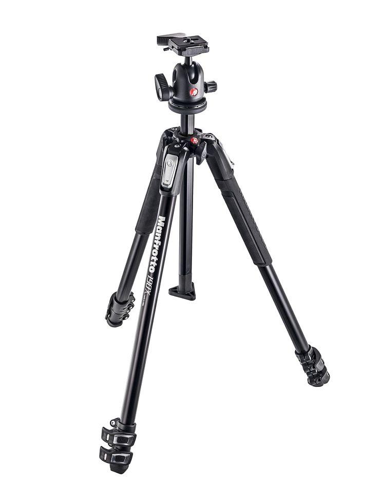 Nikon Manfrotto MK190X3-BH Штатив и шаровая головка для фотокамерыШтативы<br>Manfrotto MK190X3-BH это прочный, универсальный и надежный штатив.<br> Материал изготовления - алюминиевый сплав.<br><br>Тип: Штатив<br>Артикул: 83625