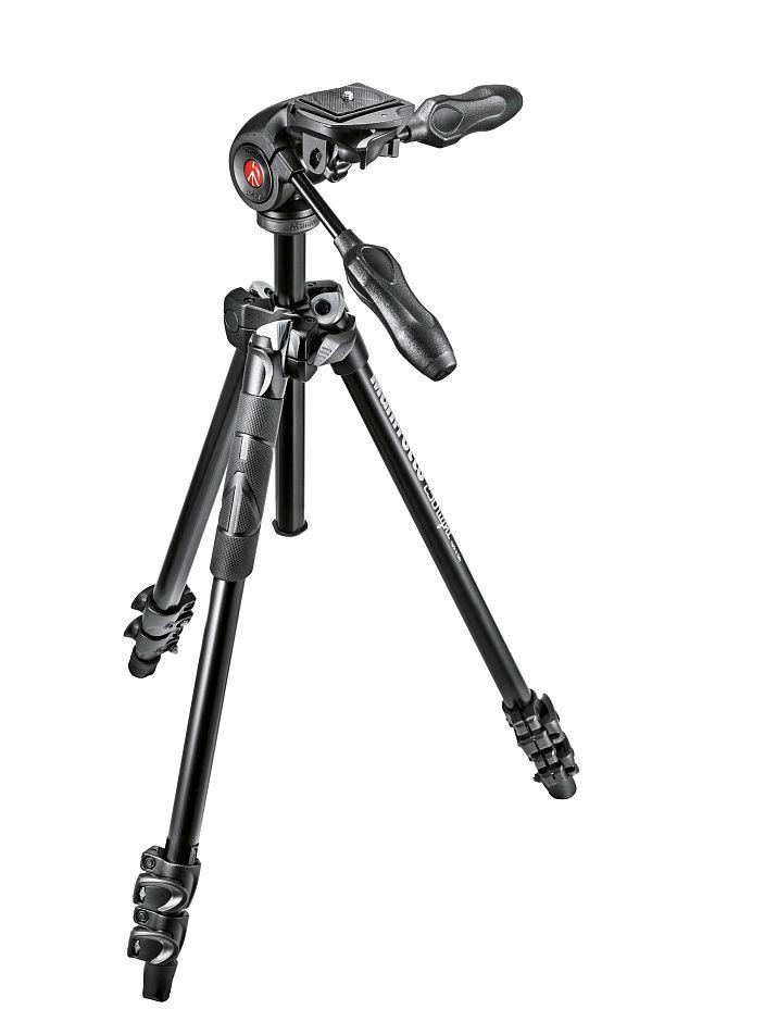 Nikon Штатив Manfrotto MK290LTA3-3W Light для фотокамеры и 3D головкаШтативы<br>Manfrotto MK290LTA3-3W Light штатив для фотокамеры и 3D головка<br><br> Комплект штатив и головка. Компактный трехсекционный алюминиевый штатив обновленной 290 серии модификации Light. Два угла наклона ножек. Облегченная 3-Way голова снабжена складными ручками для удобства транспортировки. Съемная площадка обеспечит быструю установку камеры.<br><br>Тип: Штатив<br>Артикул: MK290LTA3-3W