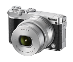 Nikon 1 J5 Kit 10-30mm PD-Zoom (восстановленная техника)