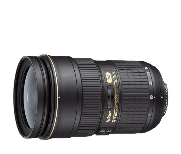 Nikon AF-S NIKKOR 24-70mm f/2.8G EDСтандартные<br>Профессиональный стандартный зум-объектив с быстрой диафрагмой и бесшумным ультразвуковым мотором, обеспечивающим быструю и тихую автофокусировку. <br><br><br> Этот объектив, в котором для уменьшения раздвоений и бликов применяется нанокристаллическое покрытие, предназначен для цифровых фотокамер и обеспечивает такую же резкость изображения по всему кадру, как и объективы с постоянным фокусным расстоянием.<br><br>Тип: Зум-объектив<br>Фокусное расстояние: 24-70 мм (36-105 мм в формате DX)<br>Максимальная диафрагма: 2.8<br>Минимальная диафрагма: 22<br>Подавление вибраций: Нет<br>Конструкция объектива: 15 элементов в 11 группах (включая 3 элемента из стекла ED, 3 асферические линзы и 1 элемент с нанокристаллическим покрытием Nano Crystal Coat)<br>Угол зрения: FX: 84°–34°20', DX: 61°–22°50'<br>Минимальное расстояние фокусировки: 0,38 м (в диапазоне фокусных расстояний от 35 до 50 мм)<br>Количество лепестков диафрагмы: 9<br>Установочный размер фильтра: 77 мм<br>Артикул: JAA802DA