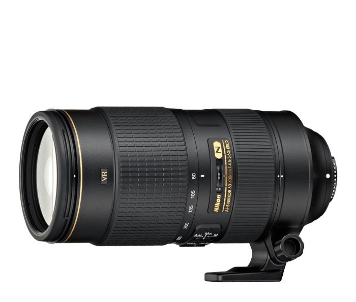Nikon AF-S NIKKOR 80-400mm f/4.5–5.6G ED VRТелеобъективы<br>Высокопроизводительный телескопический зум-объектив для использования с зеркальными фотокамерами формата FX.<br> <br> Благодаря широкому диапазону фокусных расстояний 80–400 мм и превосходной оптической конструкции этот объектив подходит для съемки самых разных объектов, в том числе дикой природы, пейзажей и спортивных мероприятий.<br> <br> Система подавления вибраций, разработанная компанией Nikon, позволяет вести съемку с рук с использованием выдержек на четыре ступени длиннее обычных и получать четкие изображения при любом фокусном расстоянии. Четыре элемента из стекла ED (со сверхнизким рассеиванием) и один из стекла Super ED устраняют хроматическую аберрацию и оптические цветовые дефекты, которые могут возникнуть при использовании больших фокусных расстояний.<br><br>Тип: Зум-объектив<br>Фокусное расстояние: 80-400 мм (120-600 мм в формате DX)<br>Максимальная диафрагма: 4,5-5,6<br>Минимальная диафрагма: 32-40<br>Подавление вибраций: Да<br>Конструкция объектива: 20 элементов в 12 группах (включая 4 элемента из стекла ED, 1 элемент из стекла Super ED и элементы с нанокристаллическим покрытием Nano Crystal Coat)<br>Угол зрения: FX: 30°10?–6°10?, DX: 20°–4°<br>Минимальное расстояние фокусировки: Автофокусировка 1,75 м, ручная фокусировка 1,5 м<br>Количество лепестков диафрагмы: 9<br>Установочный размер фильтра: 77 мм<br>Артикул: JAA817EA