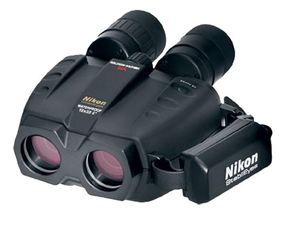 Nikon Бинокль StabilEyes 12x32Бинокли со стабилизацией<br>Бинокль со стабилизацией изображения. <br> <br> Система подавления вибраций повышает стабильность изображения и удобство пользования биноклем при его сотрясении или вибрации.<br><br>Тип: Бинокль StabilEyes<br>Диаметр объектива (мм): 32<br>Влагозащищенность: Да<br>Увеличение (x): 12<br>Выходной зрачок (мм): 2.7<br>Вынос точки визирования (мм): 15<br>Относительная яркость: 7.3<br>Минимальное расстояние фокусировки (м): 3.5<br>Реальный угол зрения (°): 5<br>Регулировка расстояния между центрами окуляров (мм): 56-72<br>Тип призмы: Перископ<br>Питание: DC 3V (тип AA) х 2 шт<br>Артикул: BAA621EA