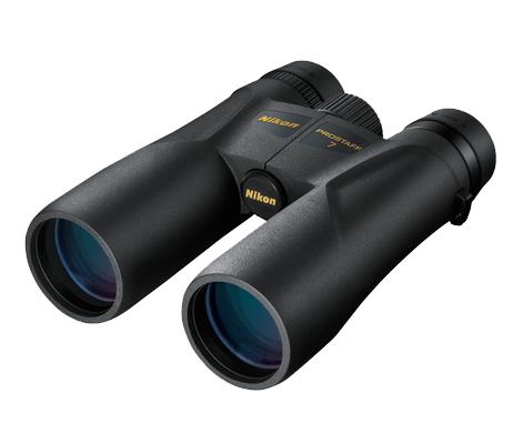 Nikon Бинокль Prostaff 7 10x42Бинокли для охоты и рыбалки<br>Бинокль PROSTAFF 7 10x42 отличается превосходными оптическими характеристиками и стильным дизайном. Благодаря многослойному просветляющему покрытию линз и призм, руф-призмам с фазокорректирующим покрытием и зеркальному покрытию призм с высоким коэффициентом отражения этот бинокль обеспечивает яркое и четкое изображение даже при плохом освещении. <br><br><br>Резиновое покрытие защищает бинокль от ударов и позволяет надежнее держать его в руке во время походов, наблюдения за природой и посещения спортивных мероприятий.<br><br>Тип: Бинокль Prostaff<br>Диаметр объектива (мм): 42<br>Влагозащищенность: Да<br>Увеличение (x): 10<br>Выходной зрачок (мм): 4.2<br>Вынос точки визирования (мм): 15.4<br>Относительная яркость: 17.6<br>Минимальное расстояние фокусировки (м): 4<br>Реальный угол зрения (°): 6<br>Регулировка расстояния между центрами окуляров (мм): 56-72<br>Тип призмы: Roof<br>Питание: Нет<br>Артикул: BAA791YA