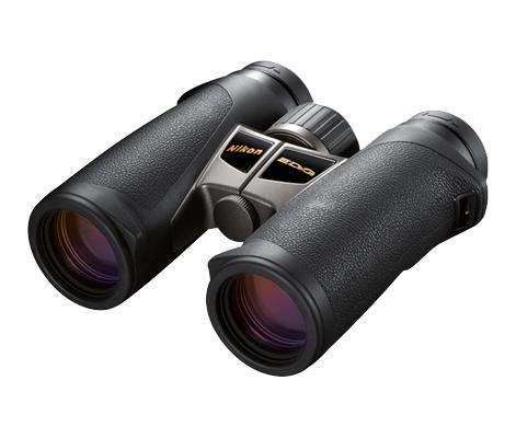 Nikon Бинокль EDG 10x32 DCFБинокли для охоты и рыбалки<br>Лидирующие в своем классе бинокли с руф-призмой, великолепной эргономикой, диаметром объектива 32 мм и 10-кратным увеличением. <br><br><br> Объективы Nikon со стеклом ED (сверхнизкое рассеивание), диэлектрическим высокоотражающим многослойным покрытием призмы и современным многослойным просветляющим покрытием в совокупности обеспечивают превосходное светопропускание и высококачественные изображения с высоким разрешением и великолепным контрастом даже при недостаточном освещении. <br><br><br> Искривление поля сводится к минимуму при помощи системы исправления кривизны поля, которая обеспечивает превосходное качество изображения по всей области, даже по краям. Большая, простая в использовании кнопка фокусировки охватывает регулятор диоптрийной настройки, который помогает предотвратить случайные изменения диоптрийной настройки. <br><br><br> Благодаря сверхкомпактности и исключительной надежности эти бинокли с защитой от влаги и запотевания идеально подходят для наблюдения за птицами и природой.<br><br>Тип: Бинокль EDG<br>Диаметр объектива (мм): 32<br>Влагозащищенность: Да<br>Увеличение (x): 10<br>Выходной зрачок (мм): 3.2<br>Вынос точки визирования (мм): 17.3<br>Относительная яркость: 10.2<br>Минимальное расстояние фокусировки (м): 2.5<br>Реальный угол зрения (°): 6.5<br>Регулировка расстояния между центрами окуляров (мм): 54-76<br>Тип призмы: Roof<br>Питание: Нет<br>Артикул: BAA774EA
