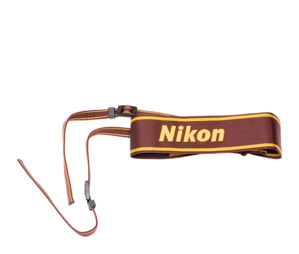 Nikon Ремень для переноски AN-6WРемни<br>Удобный наплечный ремень для фотоаппаратов Nikon <br> <br> Материал: полиэстер<br><br>Тип: Ремень для фотокамеры<br>Артикул: FWE50702