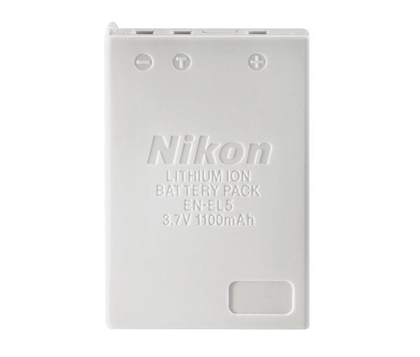 Nikon Батарея EN-EL5Питание фотокамер<br>Сверхкомпактная литий-ионная аккумуляторная батарея, обладающая большой емкостью и имеющая длительный срок службы.<br> <br> Тип Li-lon. <br> Емкость 1100 mAh. <br> Номинальное напряжение 3.7 V. <br> Заряжается при помощи зарядного устройства MH-61(E). <br><br>Литиево-ионный аккумулятор для цифровых фотоаппаратов Nikon Coolpix P6000, Coolpix P3, Coolpix P4, Coolpix P90, Coolpix P5000, Coolpix P5100, Coolpix 4200, Coolpix 5200, Coolpix 5900, Coolpix 7900, Coolpix S10, Coolpix 3700, P100, P500, P510, P520, P530<br><br>Тип: Литий-ионная аккумуляторная батарея<br>Артикул: VAW15701