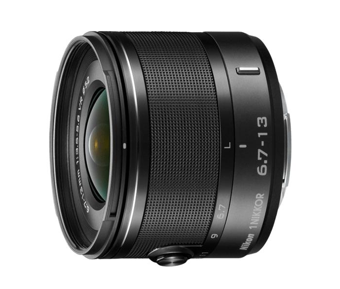 Nikon  1 NIKKOR VR 6.7-13mm f/3.5-5.6 ЧерныйШирокоугольные<br>Первый сверхширокоугольный зум-объектив для системы Nikon 1 позволяет находиться близко к объекту и при этом всё умещать в кадре.<br> <br> Как и во всех объективах 1 NIKKOR, в нем прекрасно сочетаются портативность, мощность, быстродействие и качество. Да...<br><br>Тип: Зум-объектив<br>Фокусное расстояние: 6,7-13 мм (18–35 мм в формате 35 мм)<br>Максимальная диафрагма: 3,5–5,6<br>Минимальная диафрагма: 16<br>Подавление вибраций: Да<br>Конструкция объектива: 11 элементов в 7 группах (в частности, 3 асферические линзы и 3 элемента из стекла ED)<br>Угол зрения: СX: 100°–63°<br>Минимальное расстояние фокусировки: 0,25 м<br>Количество лепестков диафрагмы: 7<br>Установочный размер фильтра: 52 мм<br>Цвет корпуса: Черный