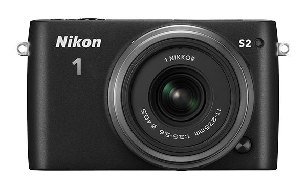 Nikon   1 S2 Kit 11-27.5mm f/3.5–5.6 ЧерныйФотокамеры NIKON 1<br>С яркой фотокамерой Nikon 1 S2 вы всегда будете в центре внимания. Эта быстрая, компактная, стильная и простая в использовании системная фотокамера выглядит так же прекрасно, как и динамичные снимки и видеоролики HD, созданные с ее помощью. <br> <br>...<br><br>Тип: Цифровая фотокамера, поддерживающая использование сменных объективов<br>Формат матрицы: CX<br>Тип матрицы, размер: КМОП: 13,2 x 8,8 мм<br>Эффективное число пикселей: 14,2 млн<br>Процессор (АЦП): EXPEED 4a<br>Чувствительность ISO: От 200 до 12 800, с шагом 1 EV<br>Автофокусировка: Гибридная автофокусировка (одноточечная АФ: 135 зон фокусировки; центральные 73 зоны поддерживают АФ с определением фазы, автоматический выбор зоны АФ: 41 зона фокусировки)<br>Режим зоны автофокуса: Одноточечная АФ, автоматический выбор зоны АФ, ведение объекта<br>Выдержка синхронизации: Не менее 1/60 с (электронный затвор)<br>Режимы съемки: «Авто»; «Фильтр сглаживания», «Эффект миниатюры», «Выборочный цвет», «Кросспроцесс», «Эффект игрушечной камеры» (творческий режим): вспышка раскрывается и срабатывает автоматически при необходимости; P: программный автоматический режим, S: автоматический режим с приоритетом выдержки, A: автоматический режим с приоритетом диафрагмы, M: ручной режим (творческий режим): вспышка раскрывается вручную<br>Контроль экспозиции: «Авто»; «Фильтр сглаживания», «Эффект миниатюры», «Выборочный цвет», «Кросспроцесс», «Эффект игрушечной камеры» (творческий режим): вспышка раскрывается и срабатывает автоматически при необходимости; P: программный автоматический режим, S: автоматический режим с приоритетом выдержки, A: автоматический режим с приоритетом диафрагмы, M: ручной режим (творческий режим): вспышка раскрывается вручную<br>Коррекция экспозиции: От -3 до +3 EV с шагом 1/3 EV<br>Баланс белого: Авто, лампа накаливания, лампа дневного света, прямой солнечный свет, вспышка, облачное небо, тень, под водой и ручная предустановка; для всех режимо