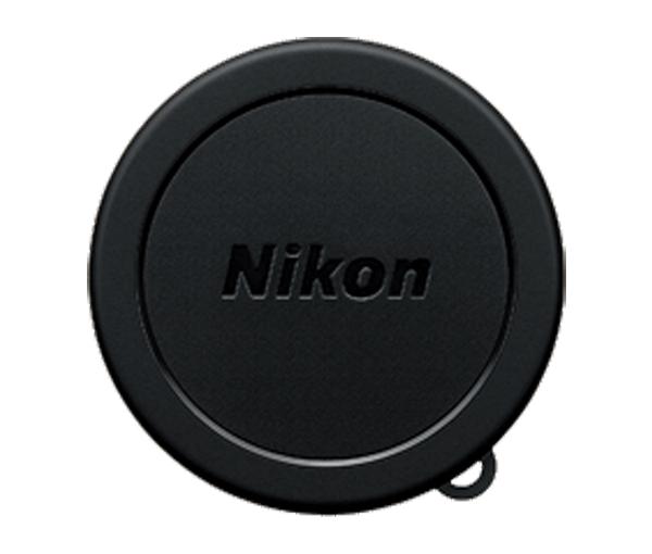 Nikon Крышка объектива для фотокамеры Coolpix P80 LC-CP18Защита фотокамер<br>Передняя защитная крышка на объектив некоторых моделей компактных фотокамер Coolpix, изготовленная из пластмассы, защищает переднюю линзу объектива от пыли, грязи и царапин при хранении или транспортировке. <br> <br> Совместимые фотокамеры Coolpix: P80<br><br>Тип: Крышка объектива для фотокамеры<br>Артикул: VAD00201