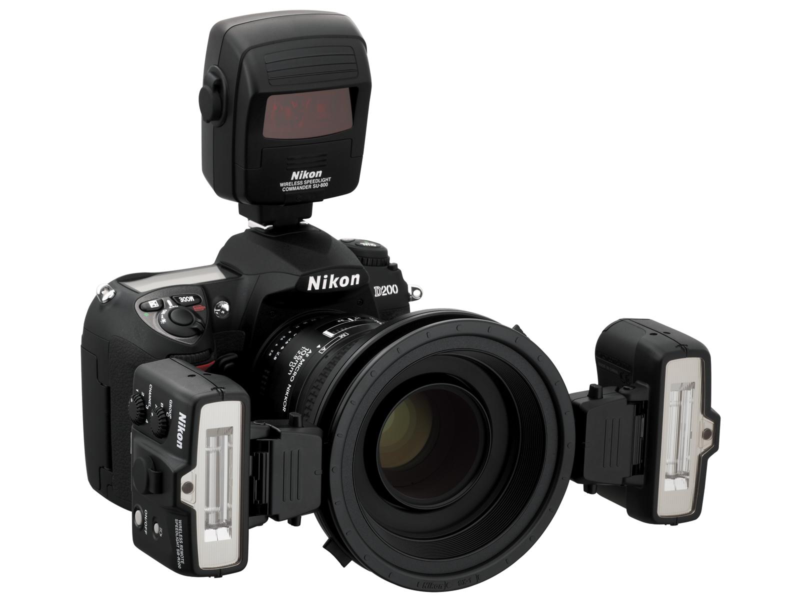 Nikon Управляющий комплект KIT R1C1Вспышки для зеркальных фотокамер Nikon<br>Уникальный набор системных беспроводных вспышек для полностью автоматической макросъемки. Этот набор состоит из двух ведомых вспышек SB-R200, устанавливаемых на объектив и управляемых при помощи беспроводного блока управления SU-800. <br> <br> Полностью автоматический TTL замер, определение экспозиции и синхронизация системы экспозамера фотокамеры и ведомых вспышек при помощи инфракрасного излучения. Набор включает в себя адаптеры для фронтального освещения при супермакро съемке, фильтры и переходные кольца для наиболее популярных диаметров резьбового крепления объективов Nikkor. <br> <br> Могут добавляться дополнительные вспышки SB-R200, или SB-800, или SB-600 для получения дополнительных возможностей и эффектов освещения, требуемых в конкетной ситуации съемки.<br><br>Влагозащищенность: Нет<br>ВЧ (ISO 100/200): SB-R200: 10/14<br>Углы поворота головки: SB-R200: вертикаль-от -45 до 60; горизонталь-нет<br>Поддержка креативной системы освещения: SB-R200: Remote<br>Режимы работы: M, TTL<br>Защита от перегрева: -<br>Длительность импульса (при полной мощности, сек): SB-R200: 1/1666<br>Крепление штатива: Да - через подставку<br>Внешний ЖК-монитор: Нет<br>Углы освещения (фокусное расстояние, мм): -<br>Крепление переходника штатива: Да - через подставку<br>Питание: SB-R200: CR123A (3В)SU-800: CR123A (3В)<br>Артикул: FSA906CA