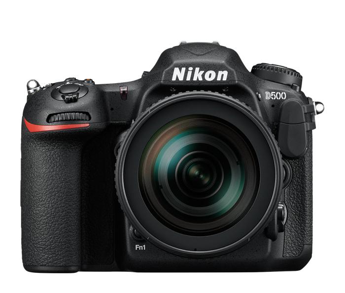 Nikon D500 Kit AF-S DX 16-80mm f/2.8-4Е ED VRПрофессиональные<br>Фотокамера D500, младшая сестра флагманской модели Nikon D5 формата FX, демонстрирует непревзойденное сочетание мощности и точности. <br><br><br> Разработанная корпорацией Nikon 153-точечная система АФ нового поколения позволяет работать в самых разных условиях съемки. Новая матрица и датчик для замера экспозиции обеспечивают исключительно точное распознавание объектов съемки и деталей изображения. Скорость съемки может составлять до 10 кадров в секунду, а быстрый буфер памяти позволяет снять до 200 изображений в формате NEF (RAW) в одной высокоскоростной серии. Сочетание этих двух факторов означает, что в течение 20 секунд вы можете получать изображения максимального качества. <br><br><br> Для видеооператоров, стремящихся к совершенству, подойдет встроенный режим D-видео, благодаря которому прямо в фотокамере можно записывать видеоролики в формате 4K/UHD длительностью до 29 минут 59 секунд.<br><br>Тип: Цифровая зеркальная фотокамера<br>Тип матрицы, размер: DX, КМОП: 23,5 x 15,7 мм<br>Эффективное число пикселей: 20,9 млн<br>Процессор (АЦП): EXPEED 5<br>Чувствительность ISO: От 100 до 51 200 единиц ISO; можно также установить значения прибл. на 1 EV ниже 100 (эквивалентно 50 единицам ISO) или значения прибл. на 5 EV выше 51 200 (эквивалентно 1 640 000 единиц ISO); возможность автоматического управления чувствительностью ISO.<br>Автофокусировка: Multi-CAM 20K с определением фазы TTL, тонкой настройкой и 153 точками фокусировки (включая 99 датчиков перекрестного типа; значение f/8 поддерживают 15 датчиков) из которых 55 (35/9) доступны для выбора.<br>Режим зоны автофокуса: Одноточечная АФ, 25-, 72- или 153-точечная динамическая АФ, 3D-слежение, групповая АФ, автоматический выбор зоны АФ.<br>Выдержка синхронизации: 1/250 с (есть высокоскоростная синхронизация)<br>Режимы съемки: S (покадровая съемка), CL (непрерывная низкоскоростная съемка), CH (непрерывная высокоскоростная съемка), Q (тихий затвор), Qc (ти
