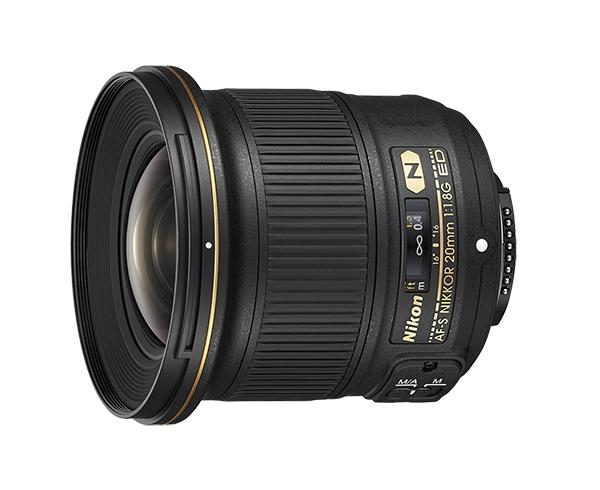 Nikon AF-S NIKKOR 20mm f/1.8G EDШирокоугольные<br>Светосильный сверхширокоугольный объектив формата FX с фиксированным фокусным расстоянием 20 мм и максимальной диафрагмой f/1,8. Прекрасный выбор для фотографов, которым для создания творческих снимков требуется намного увеличить перспективу.<br> <br> Благодаря высокопроизводительной оптике и компактной легкой конструкции этот универсальный объектив хорошо подходит для съемки интерьеров, уличных репортажей, широких пейзажей, подводных объектов, а также для создания видеороликов с эффектом полного присутствия.<br> <br> Его большая максимальная диафрагма f/1,8 позволяет получить малую глубину резко изображаемого пространства, равномерную размытость заднего плана и четкие снимки в условиях недостаточного освещения. Высококачественная оптика обеспечивает резкую прорисовку всех участков кадра и практически исключает вероятность искажений.<br><br>Тип: С фиксированным фокусным расстоянием<br>Фокусное расстояние: 20<br>Максимальная диафрагма: 1.8<br>Минимальная диафрагма: 16<br>Подавление вибраций: Нет<br>Конструкция объектива: 13 элементов в 11 группах (включая 2 элемента из стекла ED, 2 асферические линзы и элементы с нанокристаллическим покрытием)<br>Угол зрения: FX: 94°, DX: 70°<br>Минимальное расстояние фокусировки: 0,2 м<br>Количество лепестков диафрагмы: 7<br>Установочный размер фильтра: 77 мм<br>Артикул: JAA138DA
