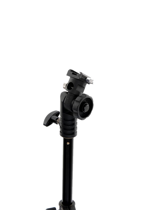 Nikon Lastolite Держатель Tilthead shoe lockСофтбоксы и рассеиватели<br>Поворотный держатель для установки внешней накамерной<br>вспышки с взможностью установки зонта. Башмак для вспышки имеет функцию зажима.<br><br>Тип: Держатель фильтра<br>Артикул: LL LA2422