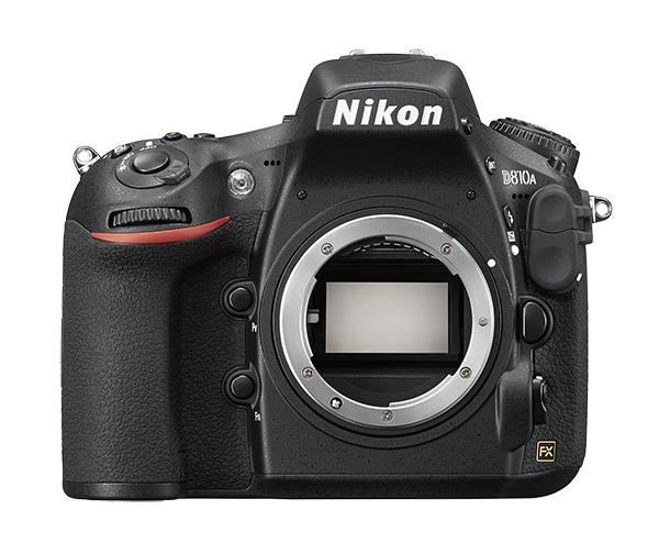 Nikon D810A (без объектива)Профессиональные<br>Конструкция фотокамеры D810A оптимизирована для астрофотографии и позволяет получать великолепные 36,3-мегапиксельные снимки туманностей с излучением по спектральной линии H-альфа.<br> <br> Модель D810A оснащена усовершенствованным инфракрасным (ИК) режекторным светофильтром, который обеспечивает в четыре раза большую чувствительность к излучению спектральной линии H-альфа (c длиной волн прибл. 656 нм) по сравнению с моделью D810. С помощью этой специализированной цифровой зеркальной фотокамеры легко запечатлеть истинные цвета ночного неба во всем его великолепии. Она обладает высокой производительностью и не требует дополнительных модификаций.<br> <br> Специальные функции позволяют эффективно решать задачи астрофотографии. Такие характеристики, как сверхвысокая чувствительность ISO и великолепная разрешающая способность, обеспечивают отличную прорисовку мельчайших деталей.<br><br>Тип: Цифровая зеркальная фотокамера<br>Формат матрицы: FX<br>Тип матрицы, размер: КМОП: 35,9 x 24,0 мм<br>Эффективное число пикселей: 36,3 млн<br>Процессор (АЦП): EXPEED 4<br>Чувствительность ISO: От 200 до 12 800 единиц ISO с шагом 1/3, 1/2 и 1 EV; можно установить дополнительные значения на 0,3; 0,5; 0,7 и 1 EV (эквивалентно 100 единицам ISO) ниже 200 единиц ISO или значения прибл. на 0,3; 0,5; 0,7; 1 или 2 EV (эквивалентно 51 200 единицам ISO) выше 12 800 единиц ISO, возможность автоматического управления чувствительностью ISO<br>Автофокусировка: Advanced Multi-CAM 3500FX с определением фазы TTL, точной настройкой, 51 точкой фокусировки (включая 15 датчиков перекрестного типа; 11 датчиков поддерживают светосилу f/8)<br>Режим зоны автофокуса: Одноточечная АФ, 9-, 21- или 51-точечная динамическая АФ, 3D слежение (51 точка), групповая АФ, автоматический выбор зоны АФ<br>Выдержка синхронизации: 1/250 с; синхронизация с затвором при выдержке 1/320 с или длиннее (расстояние съемки со вспышкой уменьшается при выдержках от 1/320 до 1/250 с)<br>Режи