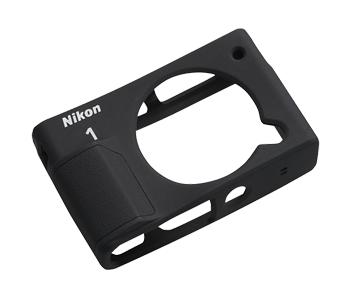 Nikon Футляр силиконовый CF-N8000 черный  для  1 J4Для фотокамер Nikon 1<br>Защищает края корпуса от царапин. Изготовлен из силикона. Легко надевается и снимается. Снабжен рельефной рукояткой, обеспечивающей надежный хват при съемке с надетым футляром.<br> <br> Совместим с фотокамерой Nikon 1 J4<br><br>Тип: Чехол для Nikon 1<br>Артикул: VJD00037