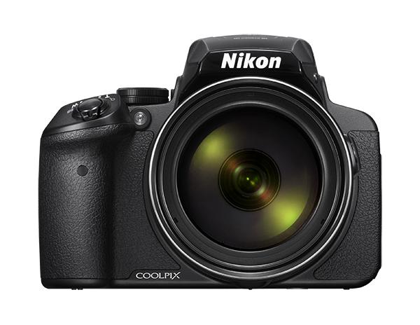 Nikon COOLPIX P900 черныйСерия Performance<br>Фотографы, увлекающиеся съемкой дикой природы и ночного неба, высоко оценят новую 16-мегапиксельную фотокамеру COOLPIX P900 со сверхмощным 83-кратным оптическим зумом, которая позволяет запечатлеть детали, невидимые человеческому глазу. Мгновенно начинайте съемку, используя ускоренную автофокусировку и сокращенную задержку перед спуском затвора. А также снимайте с выдержкой на 5,0 ступеней длиннее, чем обычно, благодаря системе оптического подавления вибраций Dual Detect Optical VR, которая эффективно устраняет смазывание. <br> <br> Экран с переменным углом наклона и встроенный электронный видоискатель предоставляют широкие возможности для компоновки кадра при записи видеороликов Full HD, а также при телефотосъемке с максимальной детализацией. Встроенные модули GPS, ГЛОНАСС и QZSS обеспечивают получение точных данных о месте съемки. А благодаря встроенной функции Wi-Fi®? и поддержке технологии NFC? можно сразу же поделиться полученными изображениями.<br><br>Тип: Компактная цифровая фотокамера<br>Формат матрицы: 1/2,3 дюйма<br>Тип матрицы, размер: КМОП: прибл. 6,2 x 4,6 мм<br>Эффективное число пикселей: 16 млн<br>Процессор (АЦП): EXPEED C2<br>Автофокусировка: АФ с функцией определения контраста<br>Режим зоны автофокуса: «АФ с обнаружением объекта», «Приоритет лица», «Ручной выбор (точечная)», «Ручной выбор (нормальная)», «Ручной выбор (широкая)», «Ведение объекта»<br>Выдержка синхронизации: До 1/4000 (электронный затвор)<br>Режимы съемки: «Покадровый» (настройка по умолчанию), «Непрерывная В» (частота кадров при непрерывной съемке: прибл. 7 кадров в секунду, максимальное количество кадров, снимаемых непрерывно: прибл. 7), «Непрерывная Н» (частота кадров при непрерывной съемке: прибл. 2 кадра в секунду, максимальное количество кадров, снимаемых непрерывно: прибл. 200), «Буфер предварительной съемки» (частота кадров при непрерывной съемке: прибл. 15 кадров в секунду, максимальное количество кадров, снимаемых непрерывно: 20,