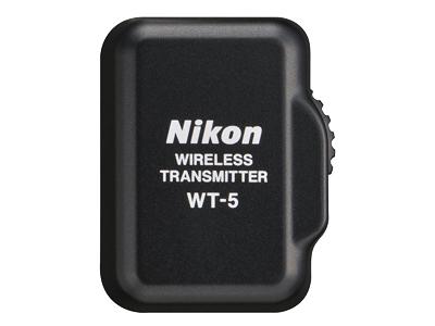 Nikon Беспроводной передатчик WT-5bАксессуары для подключения<br>Созданный для обмена данными между фотокамерой и беспроводной сетью, он поддерживает беспроводную локальную сеть IEEE 802.11n (1 x 1) и IEEE802.11a/b/g.<br> <br> Передатчик присоединяется к интерфейсному разъему фотокамеры и питается от корпуса фотокамеры. Он дает возможность выбирать режим подключения HTTP или FTP, а также синхронизировать спуск затворов нескольких фотокамер, оснащенных передатчиком WT-5. Для дистанционного управления настройками фотокамеры и использования режима LiveView на компьютере должно быть установлено программное обеспечение Camera Control Pro 2 от Nikon.<br><br>Тип: Беспроводной передатчик<br>Артикул: VWA10103