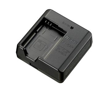 Nikon Зарядное устройство MH-67PПитание фотокамер<br>Зарядное устройство, предназначенное для зарядки литий-ионных аккумуляторных батарей EN-EL23.<br><br>Тип: Быстрое зарядное устройство<br>Артикул: VEA022EA