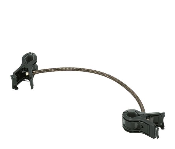 Nikon Гибкое крепление SW-C1Держатели и подставки<br>Практичное гибкое крепление, имеющее крепежные зажимы на обеих концах, предназначенное для неподвижной фиксации небольших объектов перед объективом при макросъемке. Второй конец может крепиться, например, к крышке стола. Например, можно использовать два гибких крепления SW-C1 для закрепления линейки с делениями при макросъемке. Крепление SW-C1 не может использоваться для установки на него вспышек или фотокамер.<br><br>Тип: Для макросъемки<br>Артикул: FXA10362