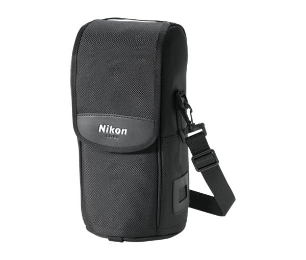 Nikon Чехол для объектива CL-M2Чехлы<br>Мягкий чехол для объектива<br><br>Чехол подходит для объективов: <br> 200mm f/4D ED-IF AF Micro-Nikkor <br> 300mm f/4D ED-IF AF-S Nikkor <br> 70-200mm f/2.8G ED-IF AF-S VR Zoom-Nikkor<br><br>Тип: Чехол для объектива<br>Артикул: JAE21201