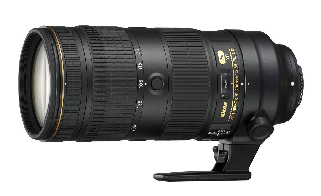 Nikon AF-S NIKKOR 70-200mm f/2.8E FL ED VRТелеобъективы<br>Объектив AF-S NIKKOR 70–200mm f/2.8E FL ED VR расширит ваши возможности при съемке потрясающих изображений в сложнейших условиях.<br> Как улучшить совершенство? Повышение детализации имеет большое значение при реальной съемке. Усовершенствованная новейшая версия этого знаменитого объектива позволит вам всегда держаться на шаг впереди.<br> Улучшенные АФ со слежением и контроль экспозиции в сочетании с режимом VR SPORT обеспечивают исключительные результаты серийной съемки. Совершенно новая оптическая конструкция гарантирует превосходное качество изображения по всему кадру. А разработанное Nikon нанокристаллическое покрытие Nano Crystal Coat эффективно устраняет двоение изображения и блики. Конструкция отличается прочностью и небольшим весом, что достигается благодаря использованию флюоритового элемента.<br><br>Тип: Зум-объектив<br>Цвет: Черный<br>Фокусное расстояние: 70-200 мм (105-300 мм в формате DX)<br>Максимальная диафрагма: 2,8<br>Минимальная диафрагма: 22<br>Подавление вибраций: Да<br>Конструкция объектива: 22 элемента в 18 группах (включая 6 элементов из стекла ED, 1 флюоритовый элемент и 1 элемент HRI, а также элементы с Nano Crystal Coat и фторсодержащим покрытием)<br>Угол зрения: FX: 34°20'–12°20', DX: 22°50'–8°<br>Минимальное расстояние фокусировки: 1,1 м<br>Количество лепестков диафрагмы: 9<br>Установочный размер фильтра: 77 мм<br>Влагозащищенность: Брызгозащита<br>Артикул: JAA830DA