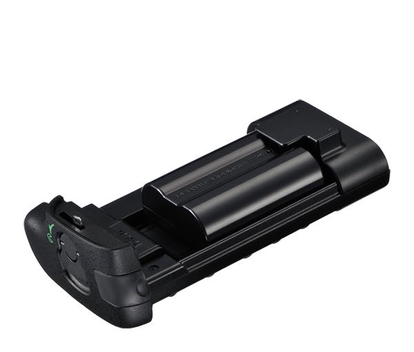 Nikon Держатель для батарей MS-D12ENПитание фотокамер<br>Держатель для установки специальных аккумуляторных батарей Nikon EN-EL15 в питающую рукоятку MB-D12 (Вмещает одну батарею) <br><br>Совместим с фотокамерами D800, D800e, D810, D810a<br><br>Тип: Держатель для батарей<br>Артикул: VFD10202