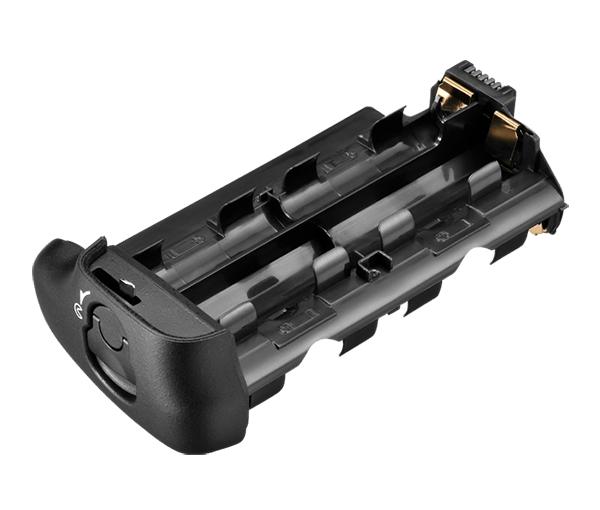 Nikon Держатель для батарей MS-D14Питание фотокамер<br>Держатель батарей формата АА для батарейного блока MB-D14, MB-D15 и MB-D16. Вмещает 6 батарей. Батареи в комплекте не идут! <br> <br> Совместим с фотокамерами D600, D610, D7100, D7200, D750<br><br>Тип: Держатель для батарей<br>Артикул: VFD10301