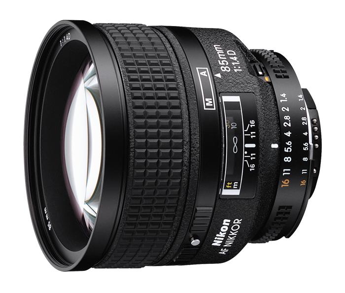 Nikon AF NIKKOR 85mm f/1.4D IFТелеобъективы<br>Этот объектив, популярный у фотографов, создающих прекрасные портреты, отличается невероятной резкостью. Большая светосила f/1,4 создает яркое изображение в видоискателе и позволяет получить красивое боке за счет закругленных лепестков диафрагмы. <br> <br> Он идеально подойдет для съемки портретов, а также спектаклей, спортивных событий с близкого расстояния и любых объектов в среднем диапазоне телефотосъемки.<br><br>Тип: С фиксированным фокусным расстоянием<br>Фокусное расстояние: 85 мм (127,5 мм в формате DX)<br>Максимальная диафрагма: 1.4<br>Минимальная диафрагма: 16<br>Подавление вибраций: Нет<br>Конструкция объектива: 9 элементов в 8 группах<br>Угол зрения: FX:  28?30 ,DX: 18?50<br>Минимальное расстояние фокусировки: 0,85 м<br>Количество лепестков диафрагмы: 9<br>Установочный размер фильтра: 77 мм<br>Артикул: JAA332DA
