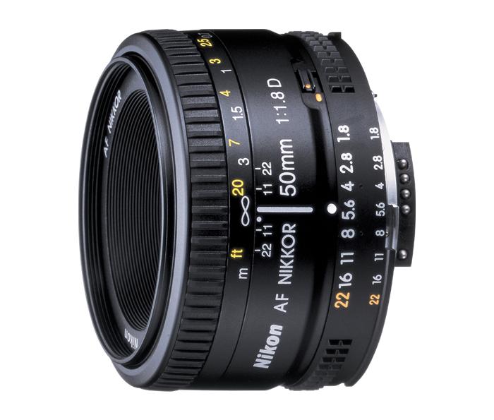 Nikon AF NIKKOR 50mm f/1.8DСтандартные<br>Естественная передача изображения и исключительная резкость делают этот чрезвычайно компактный и легкий объектив весом приблизительно 155 г удобным для переноски и съемки практически в любой ситуации.<br><br>Тип: С фиксированным фокусным расстоянием<br>Фокусное расстояние: 50 мм (75 мм в формате DX)<br>Максимальная диафрагма: 1.8<br>Минимальная диафрагма: 22<br>Подавление вибраций: Нет<br>Конструкция объектива: 6 элементов в 5 группах<br>Угол зрения: FX: 46°, DX: 31°30<br>Минимальное расстояние фокусировки: 0,45 м<br>Количество лепестков диафрагмы: 7<br>Установочный размер фильтра: 52 мм<br>Артикул: JAA013DA